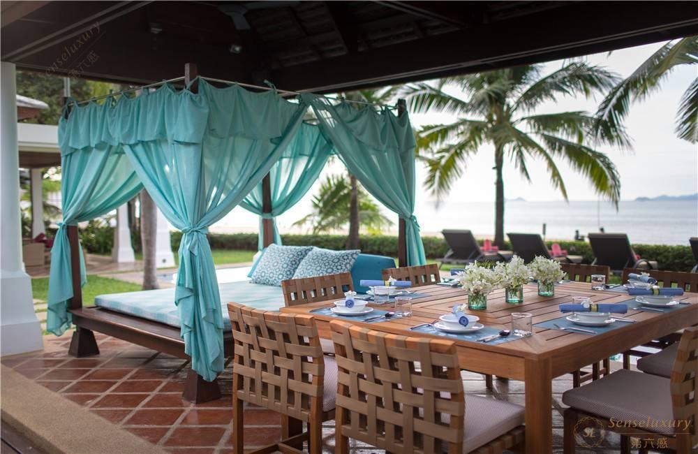 泰国苏梅岛密斯卡湾金合欢别墅户外进餐