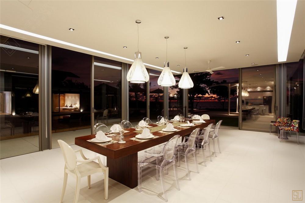 泰国普吉岛夏尔别墅用餐区