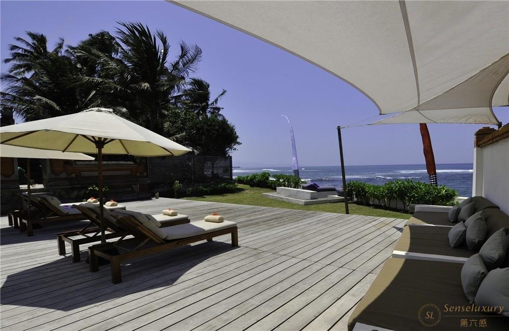 印尼巴厘岛玛雅海滨别墅露台