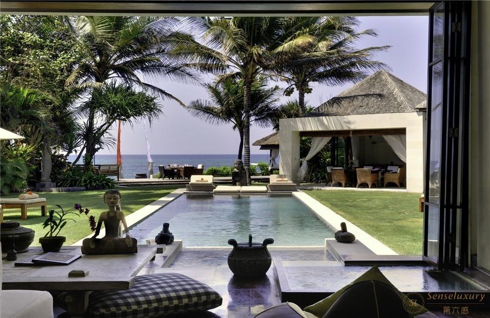 印尼巴厘岛玛雅海滨别墅泳池